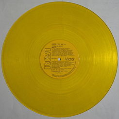 Disco_de_vinilo_de_color_amarillo